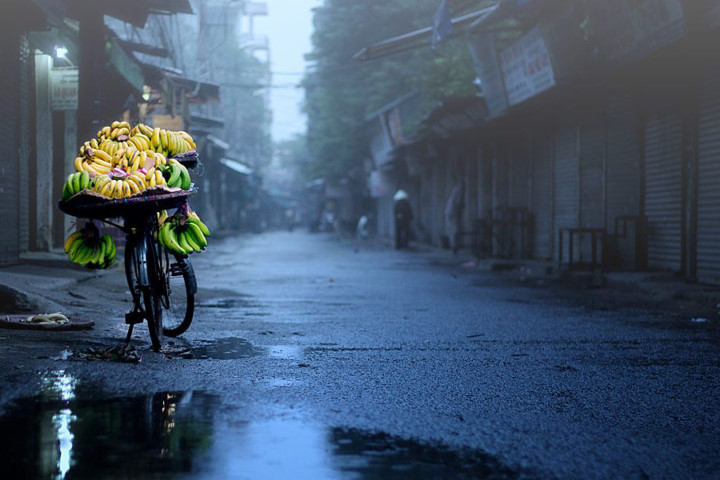 A LITTLE THING TO DO IN RAINY DAY IN HANOI