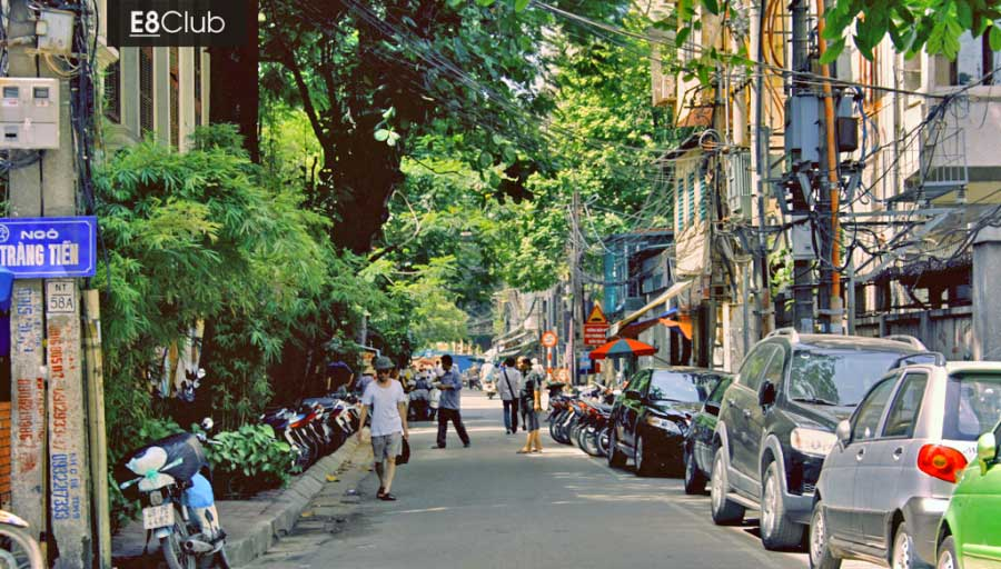 Best shopping streets of Hanoi Old Quarter