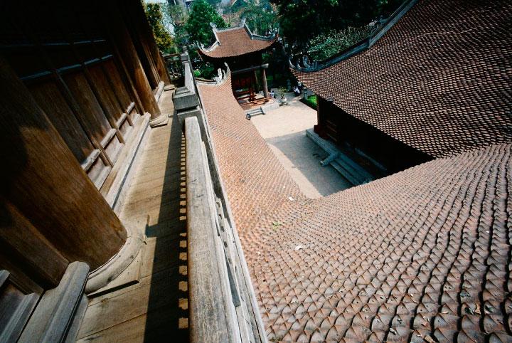 Van Mieu Quoc Tu Giam – Temple of Literature is the 1st university of Vietnam
