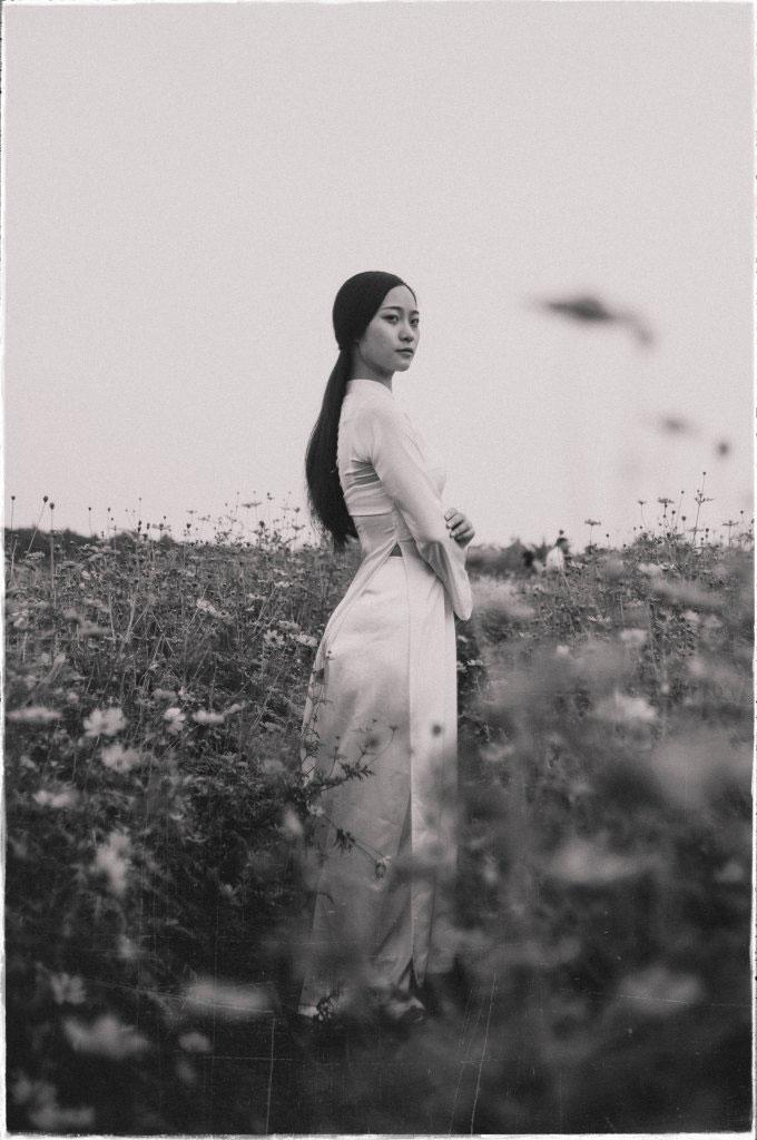 Vietnamese woman in traditional dress Ao Dai