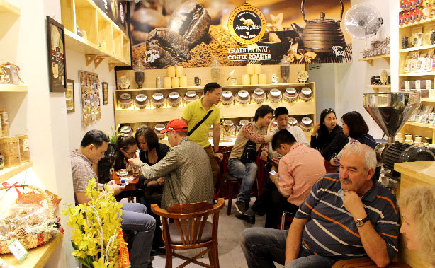 coffee shop in hanoi